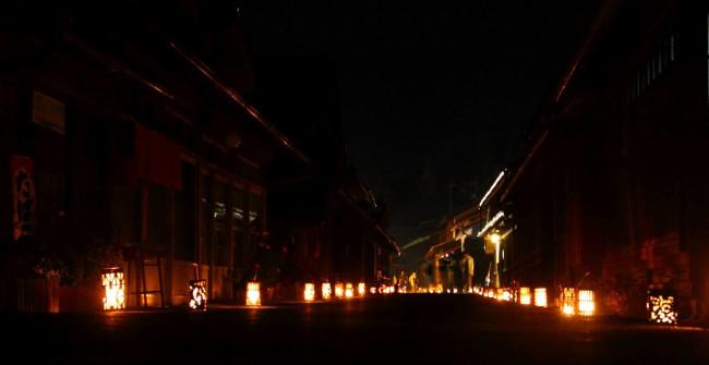 夜の吹屋はとても静かで、幻想的な雰囲気