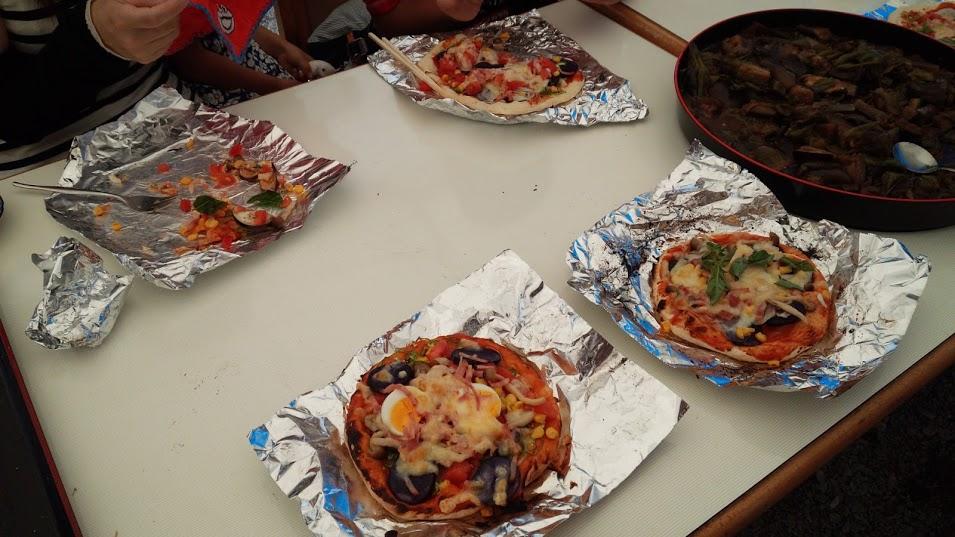 手作りピザの群れ