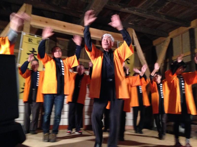 2013年に誕生した「夫婦岩音頭」も沖島さん達の人脈と熱意でCD制作と踊りが完成した。