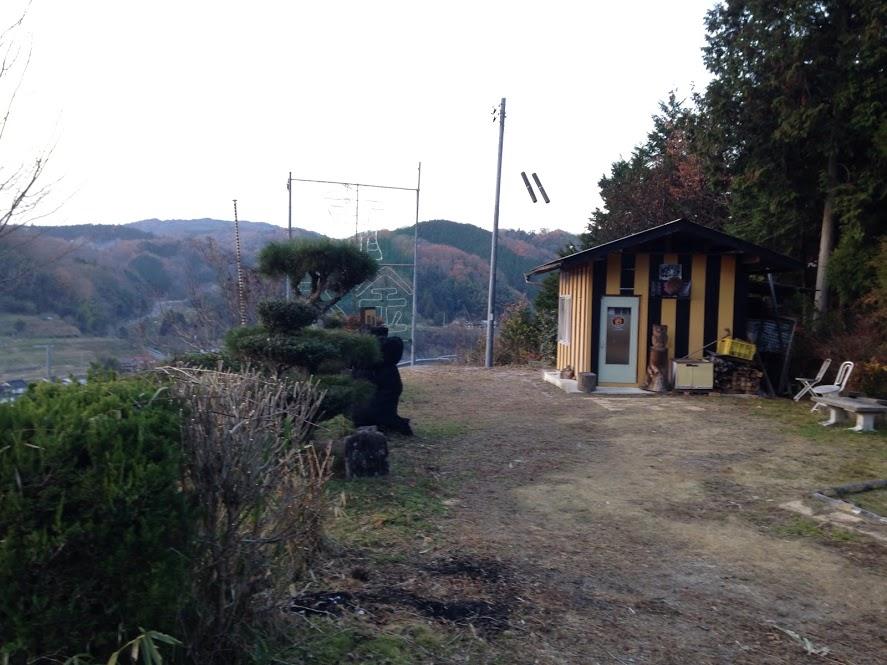阪神の小屋が目立つ